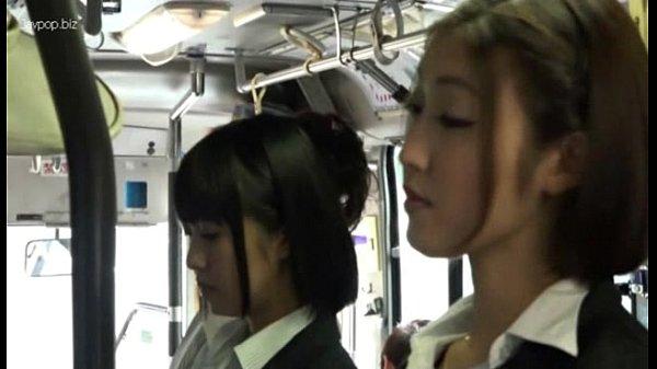 Lezbejke u autobusu