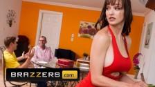 Brazzers – Milf big tit stepmom Lexi Luna fucks stepson