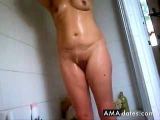 Lots of pussy washing – hidden shower
