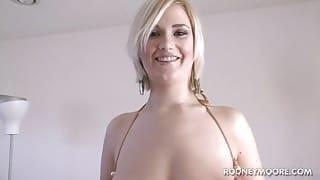 Young Chubby Siri, blonde with Big Boobs in Bikini, Fuck and Facial